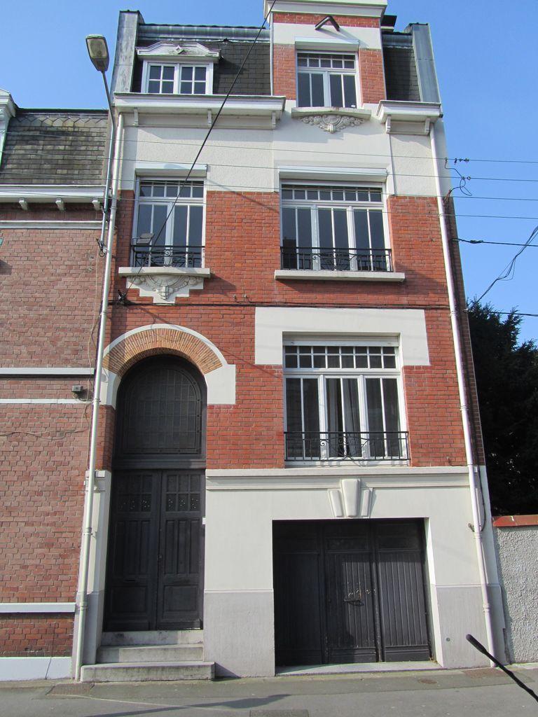Ventes maison lambersart bourgeoise avec garage for Garage bosch lambersart