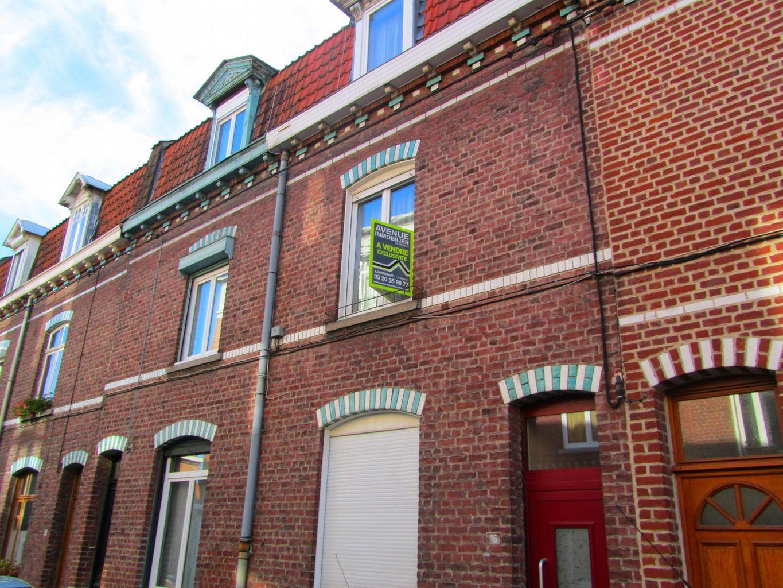 Ventes maison la madeleine deux pas du vieux lille for Garage de la riviera villeneuve d ascq