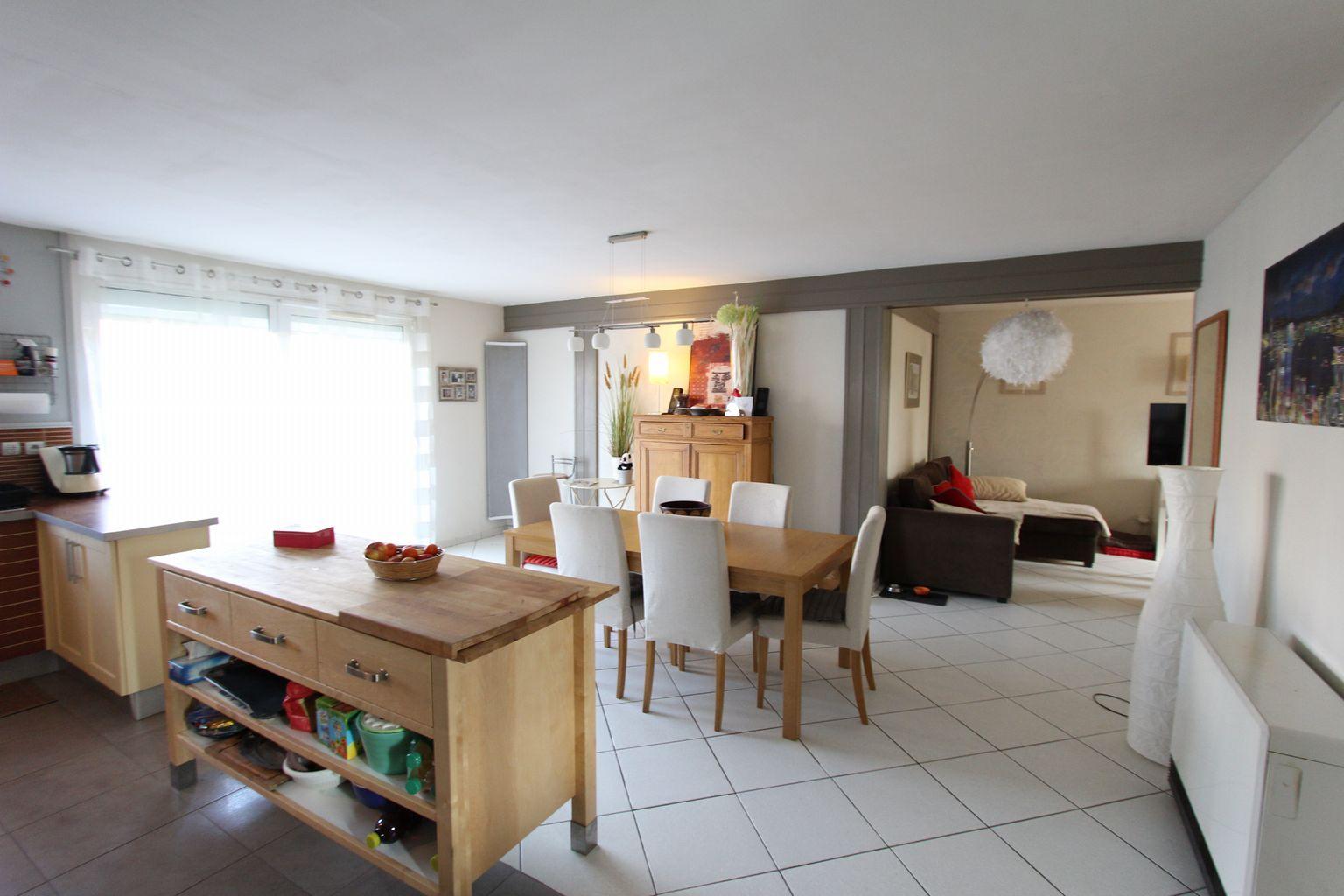 garage du chateau villeneuve d 39 ascq. Black Bedroom Furniture Sets. Home Design Ideas